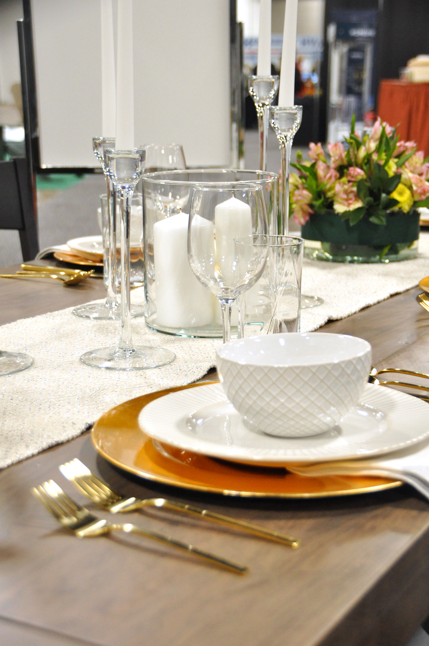 Home-Show-Feminine-Sophisticated-Elegant-Tablescape-Table-Setting-2.jpg