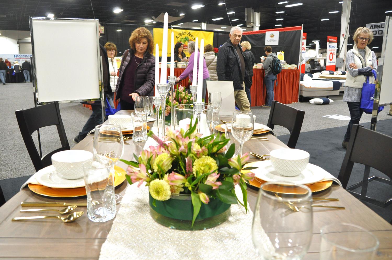 Home-Show-Feminine-Sophisticated-Elegant-Tablescape-Table-Setting-3.jpg