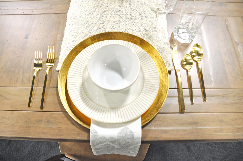 Home-Show-Feminine-Sophisticated-Elegant-Tablescape-Table-Setting-4.jpg