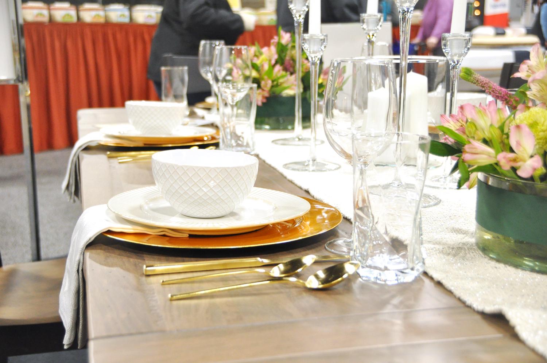 Home-Show-Feminine-Sophisticated-Elegant-Tablescape-Table-Setting-5.jpg
