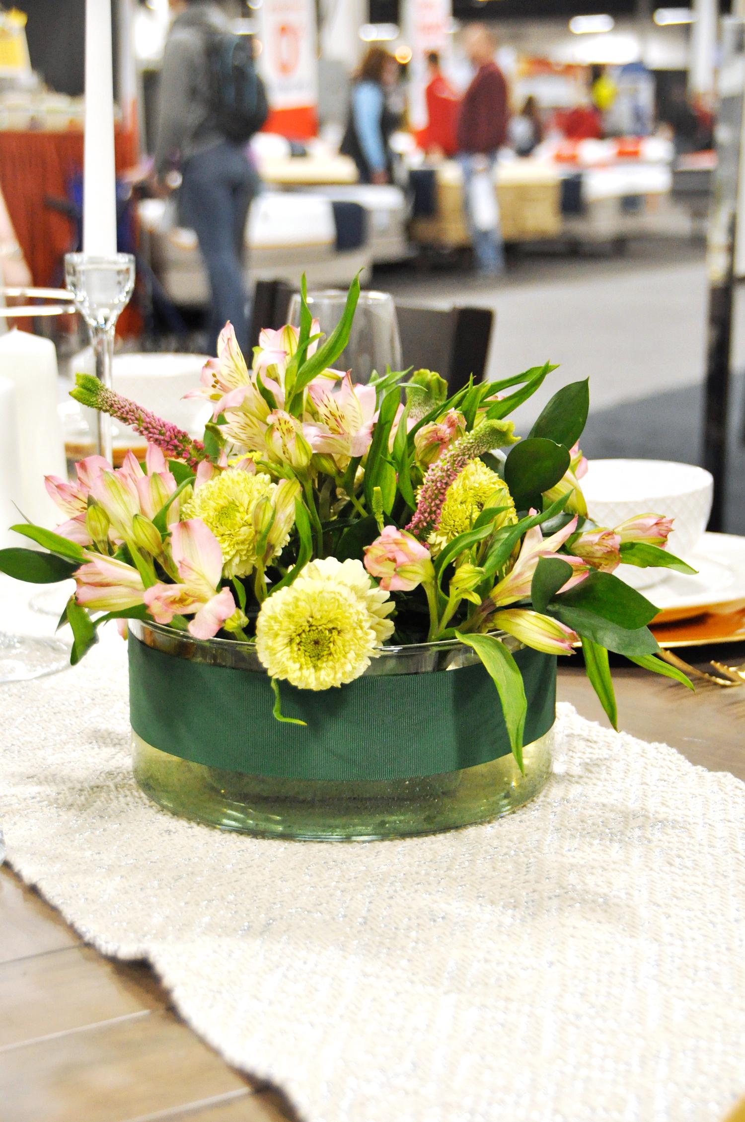 Home-Show-Feminine-Sophisticated-Elegant-Tablescape-Table-Setting-7.jpg