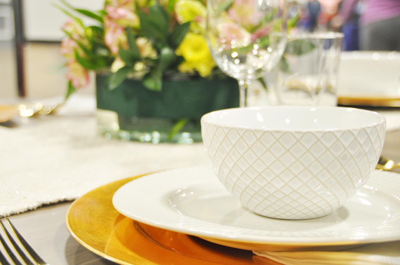 Home-Show-Feminine-Sophisticated-Elegant-Tablescape-Table-Setting-11.jpg