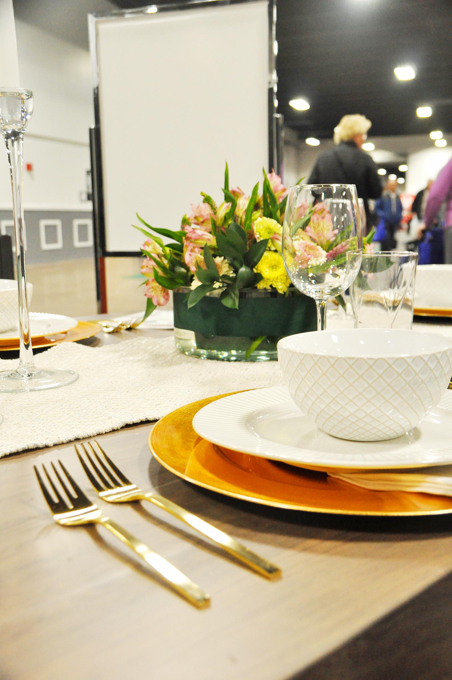 Home-Show-Feminine-Sophisticated-Elegant-Tablescape-Table-Setting-15.jpg