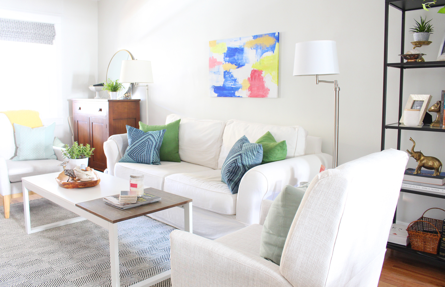 Mix & Match Design Company's eclectic modern living room.