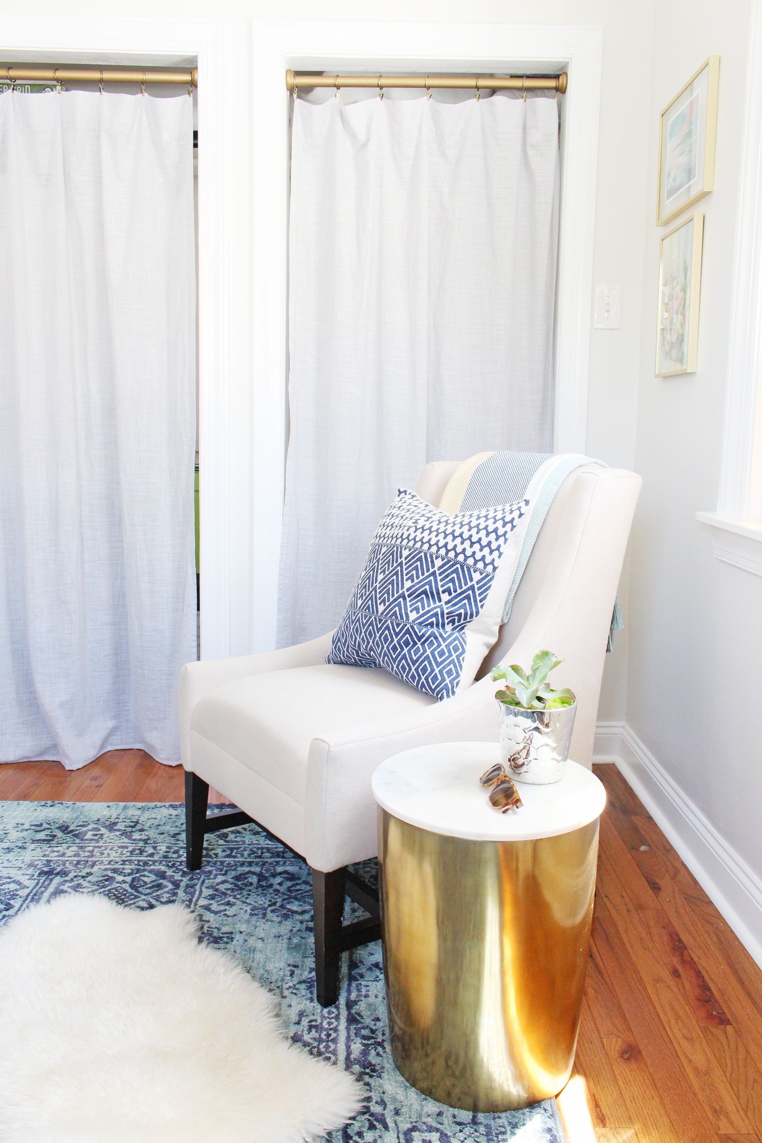 Lounge corner for reading and watching TV in Mix & Match Design Company's home office.