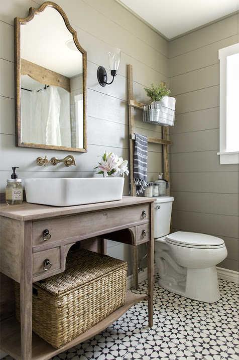Gray shiplap farmhouse bathroom // taupe shiplap // farmhouse bathroom //patterned tile bathroom floor