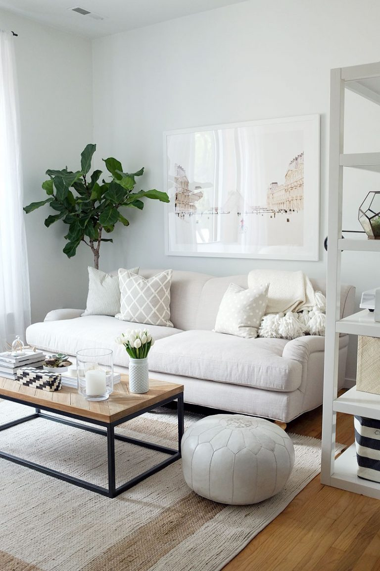In a small space, it's important to choose furniture that's the right size and scale, but it doesn't have to be tiny! Get more small space decorating tips on the Mix & Match Blog.
