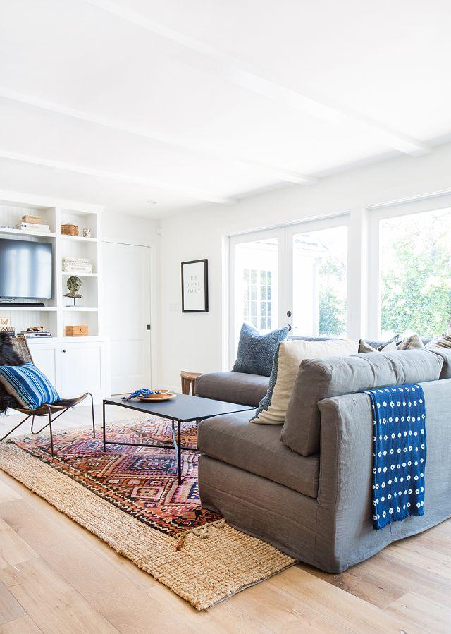 Layered-Rugs-California-Style-Living-Room.jpg