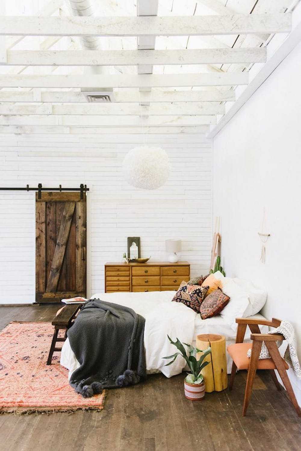 Inspiration for a mid-century southwestern bedroom look
