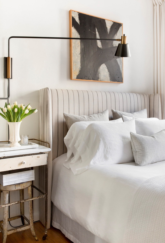 Inspiration for a modern farmhouse bedroom with a touch of mid-century. If you're looking for ideas on how to decorate in the modern farmhouse style, I've got you covered!