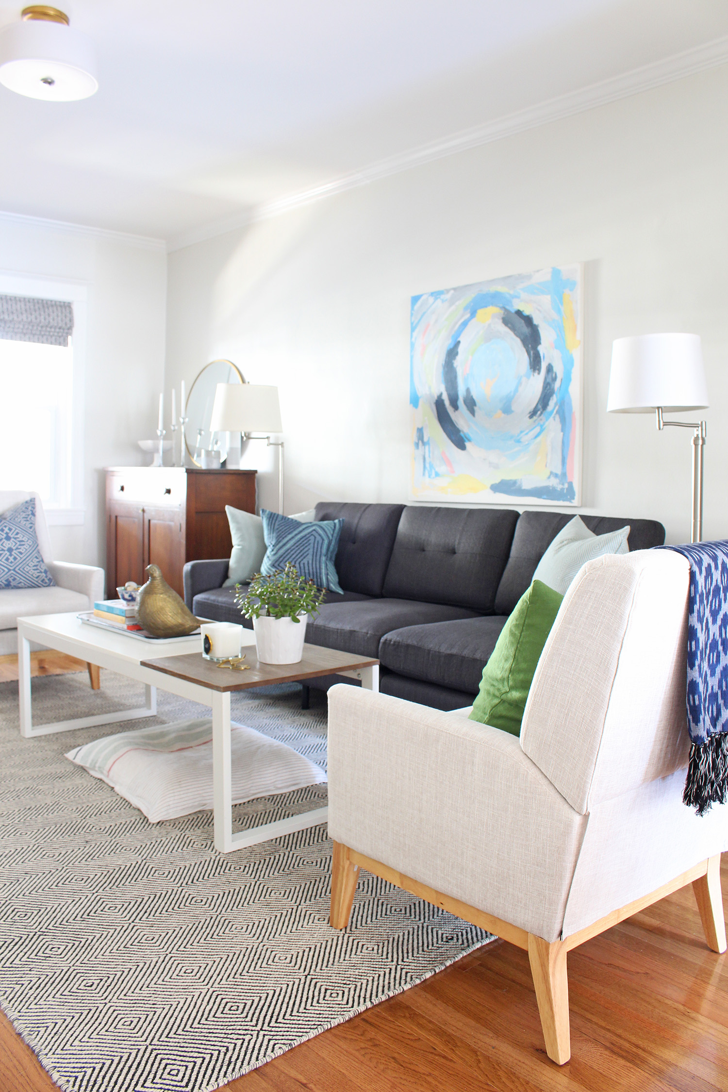 Find five small space design ideas that balance style and function on the Mix & Match Design Company blog.