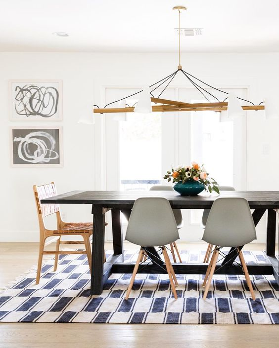 Mismatched-dining-chairs-modern-eclectic.jpg