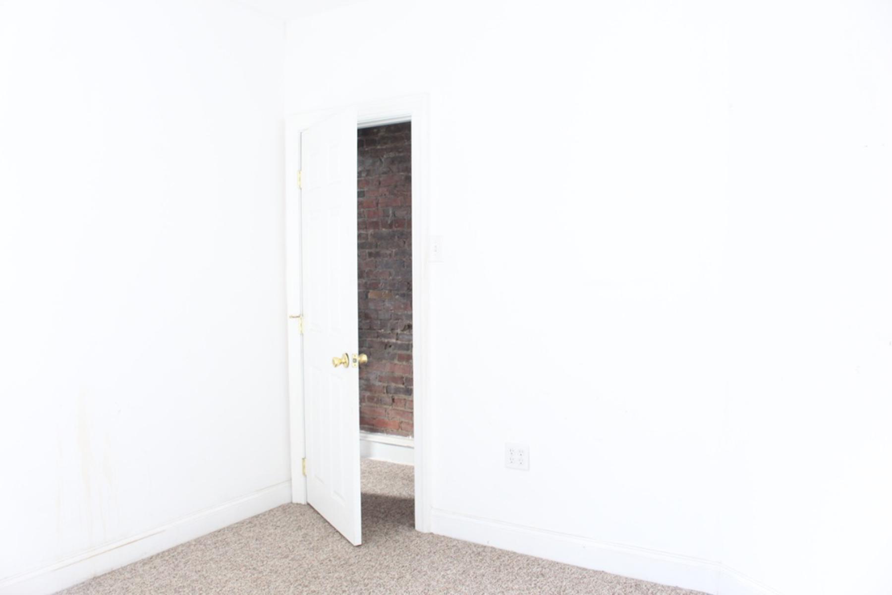 Guest-Bedroom Before-2.jpg