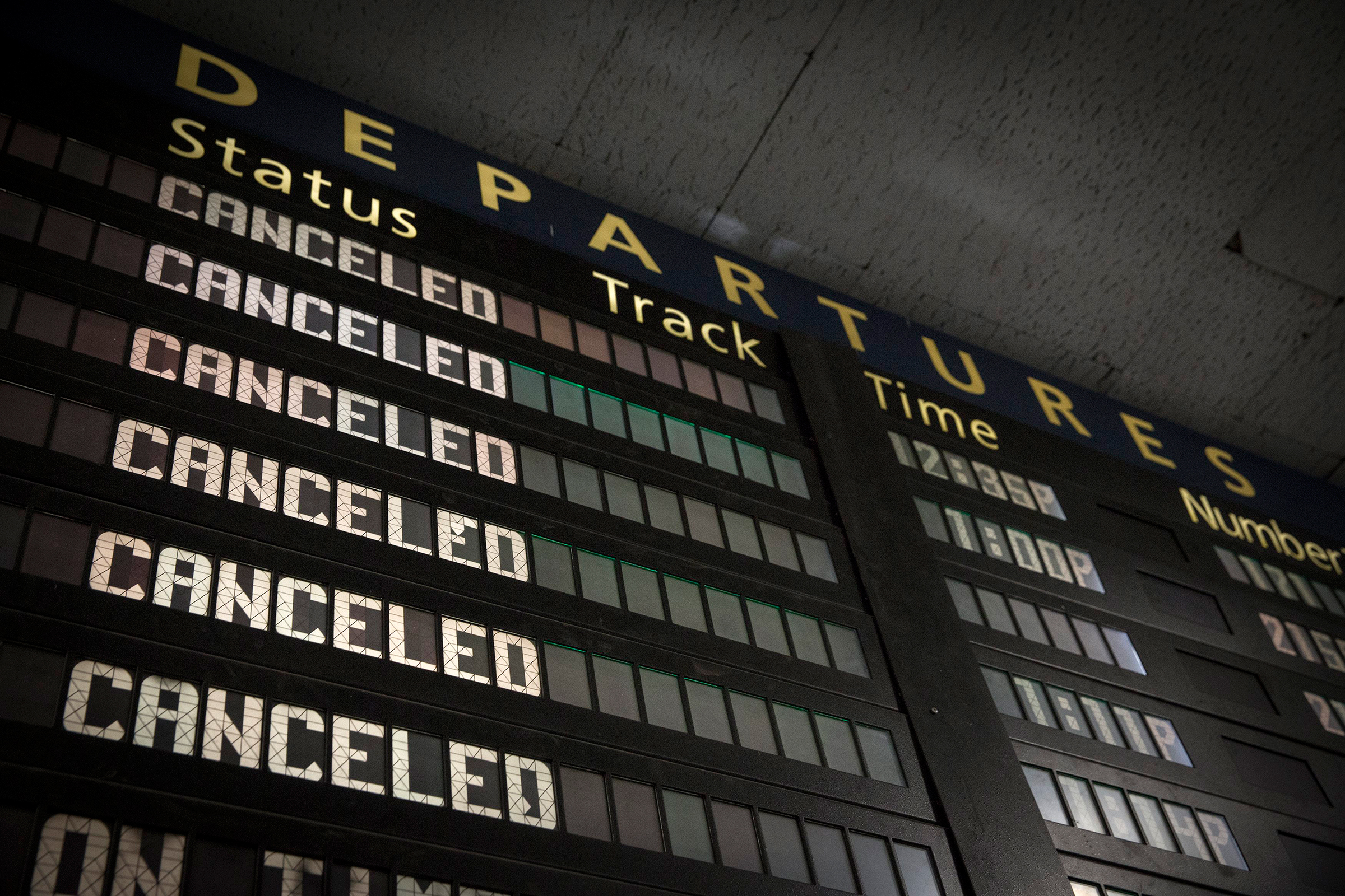 Cancelled-Departure-Board.jpg