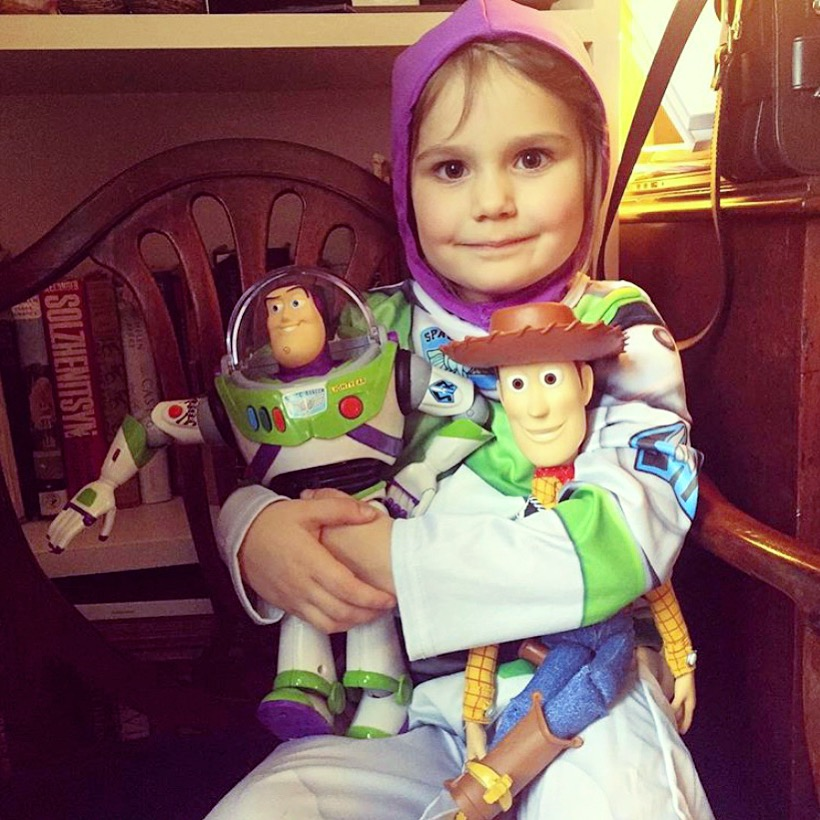 THROWBACK TO WHEN EDIE LIVED IN HER TOY STORY COSTUMES