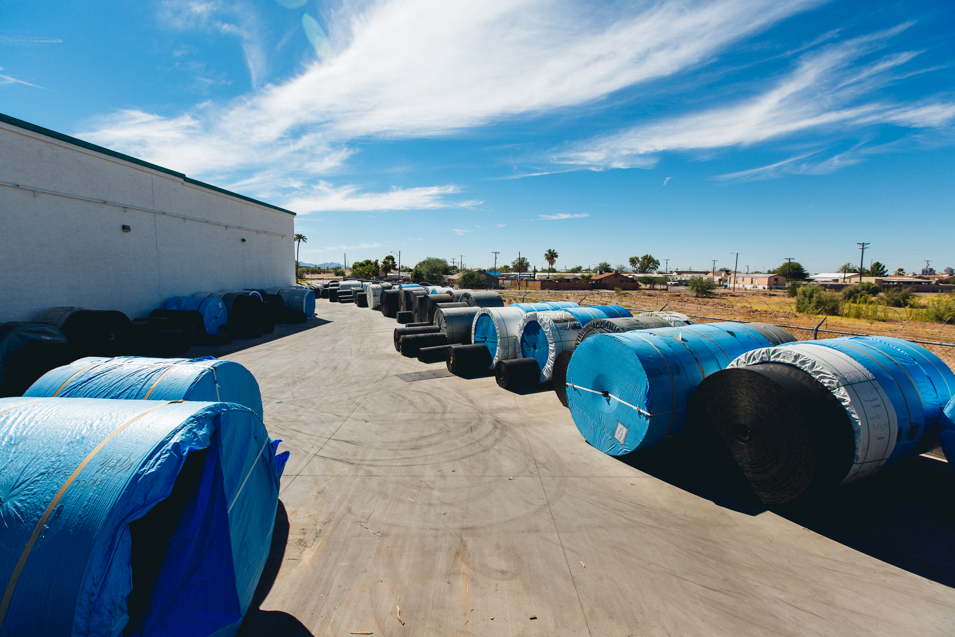 Conveyor belt reels