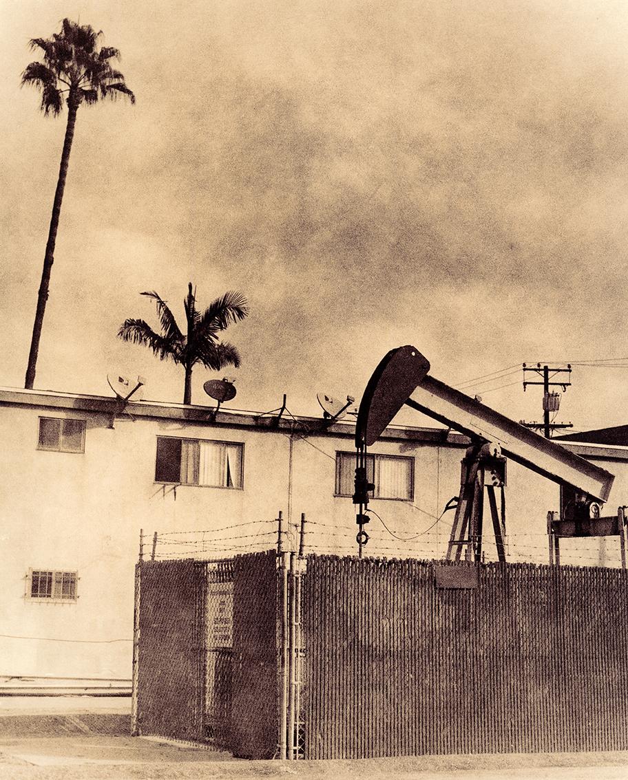 Zuili Oil Pit & Homes.jpg