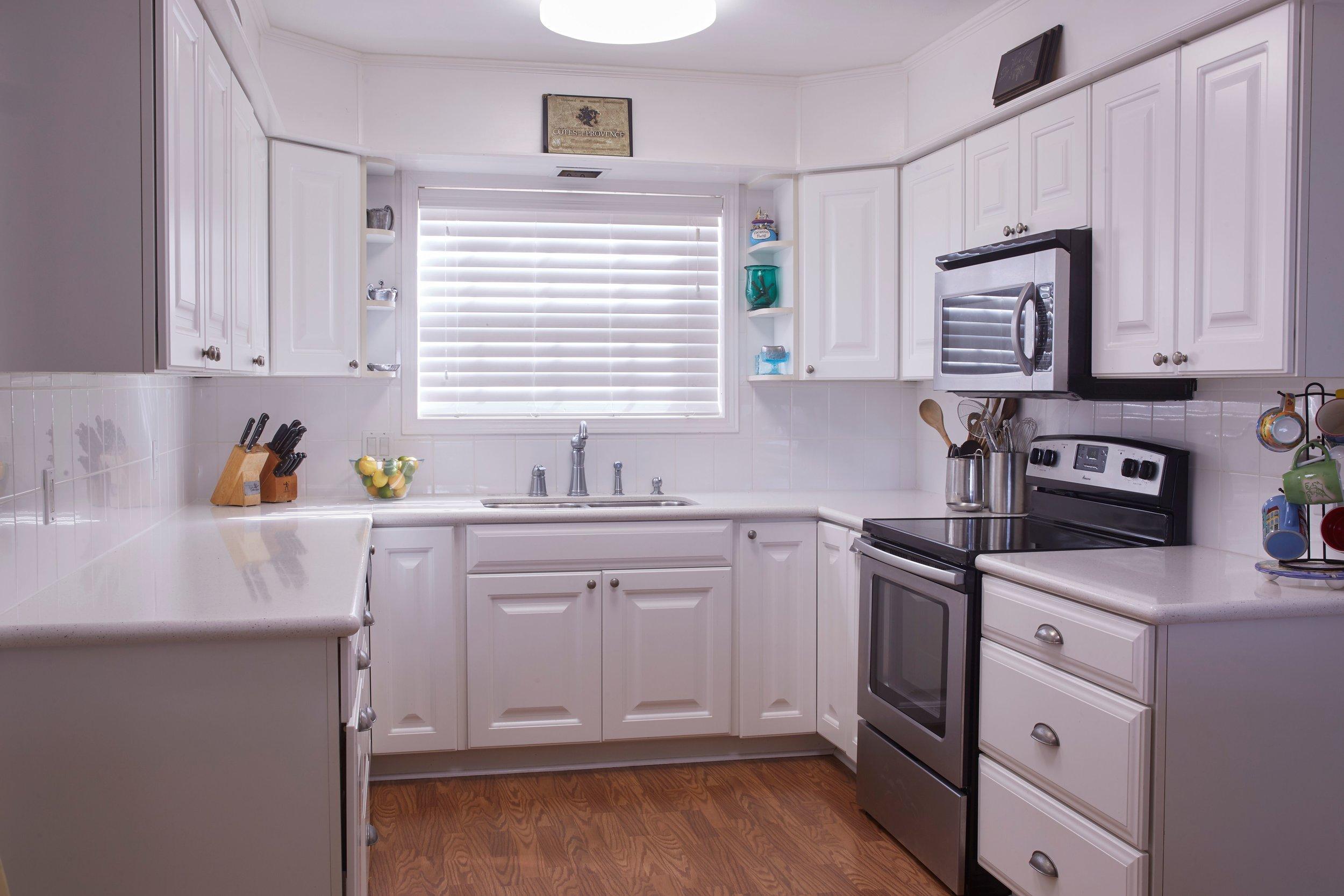 lynn kitchen.jpg