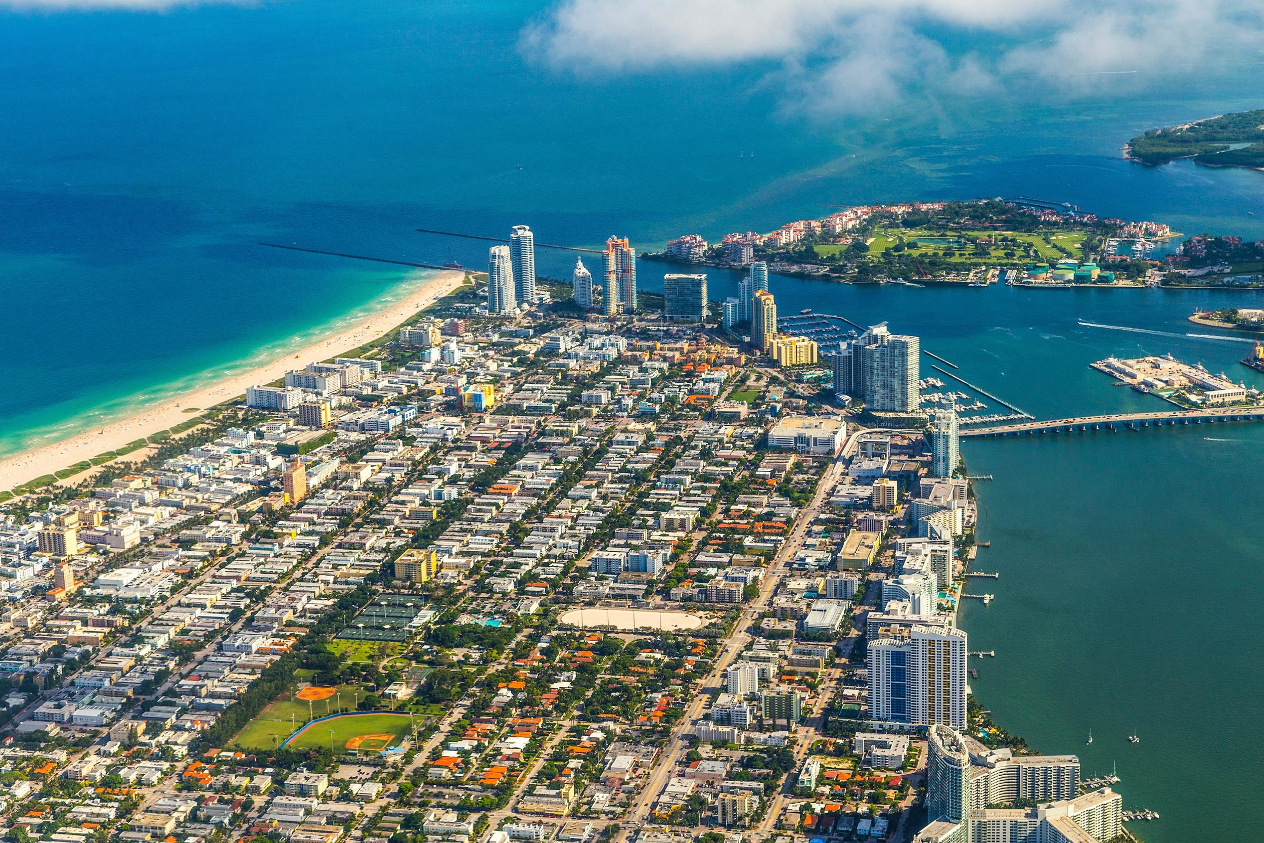 "<p>NEIGHBORHOOD<strong>The Orchid House's location puts guests at the epicenter of the storied South Beach scene, less than one block from the beach.</strong><a href=""/neighborhood"">MORE</a></p>"