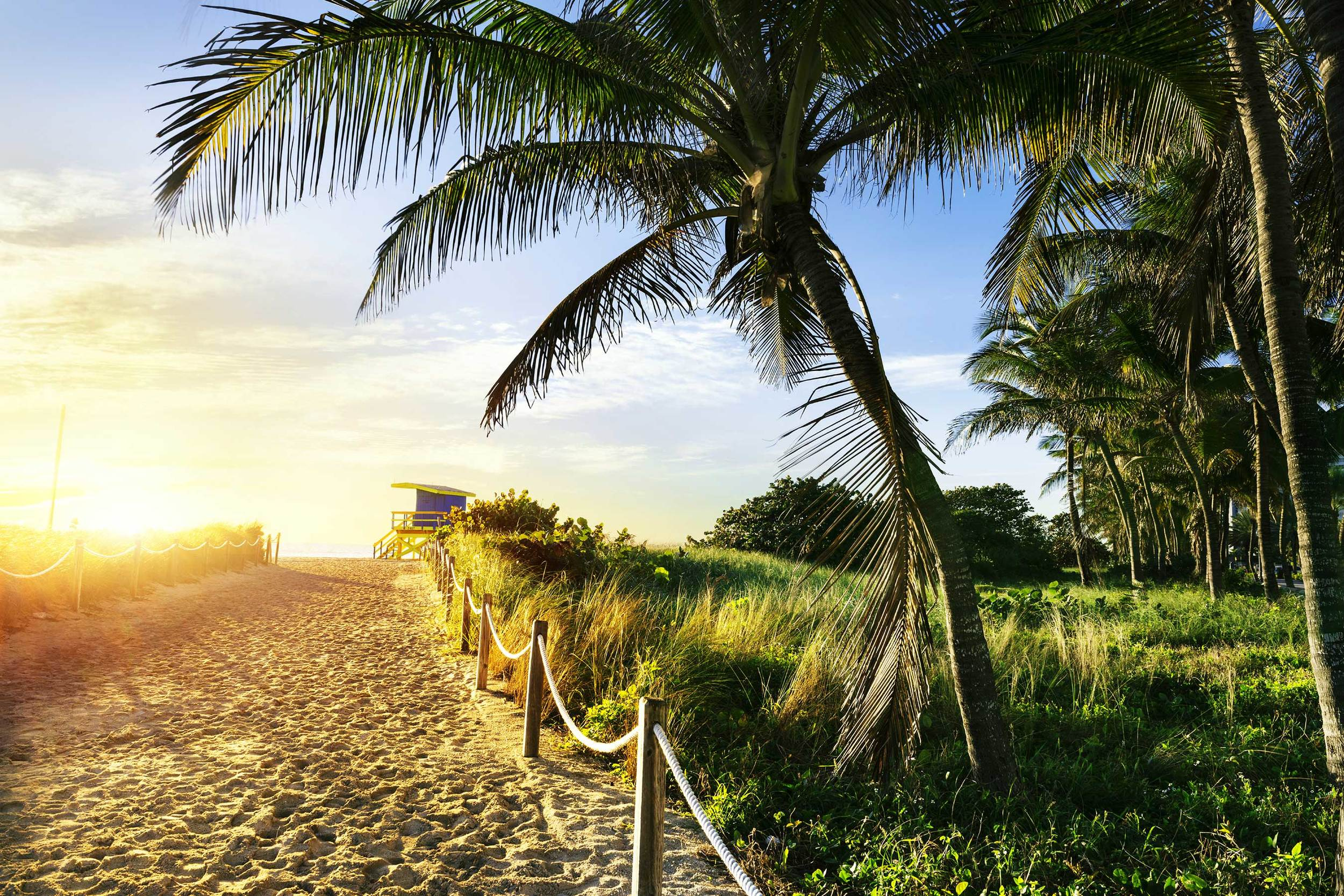 "<p>NEAR-AWAY<strong>Are you a Florida resident? Escape the hassle of everyday life but stay close to home.</strong><a href=""/near"">MORE</a></p>"