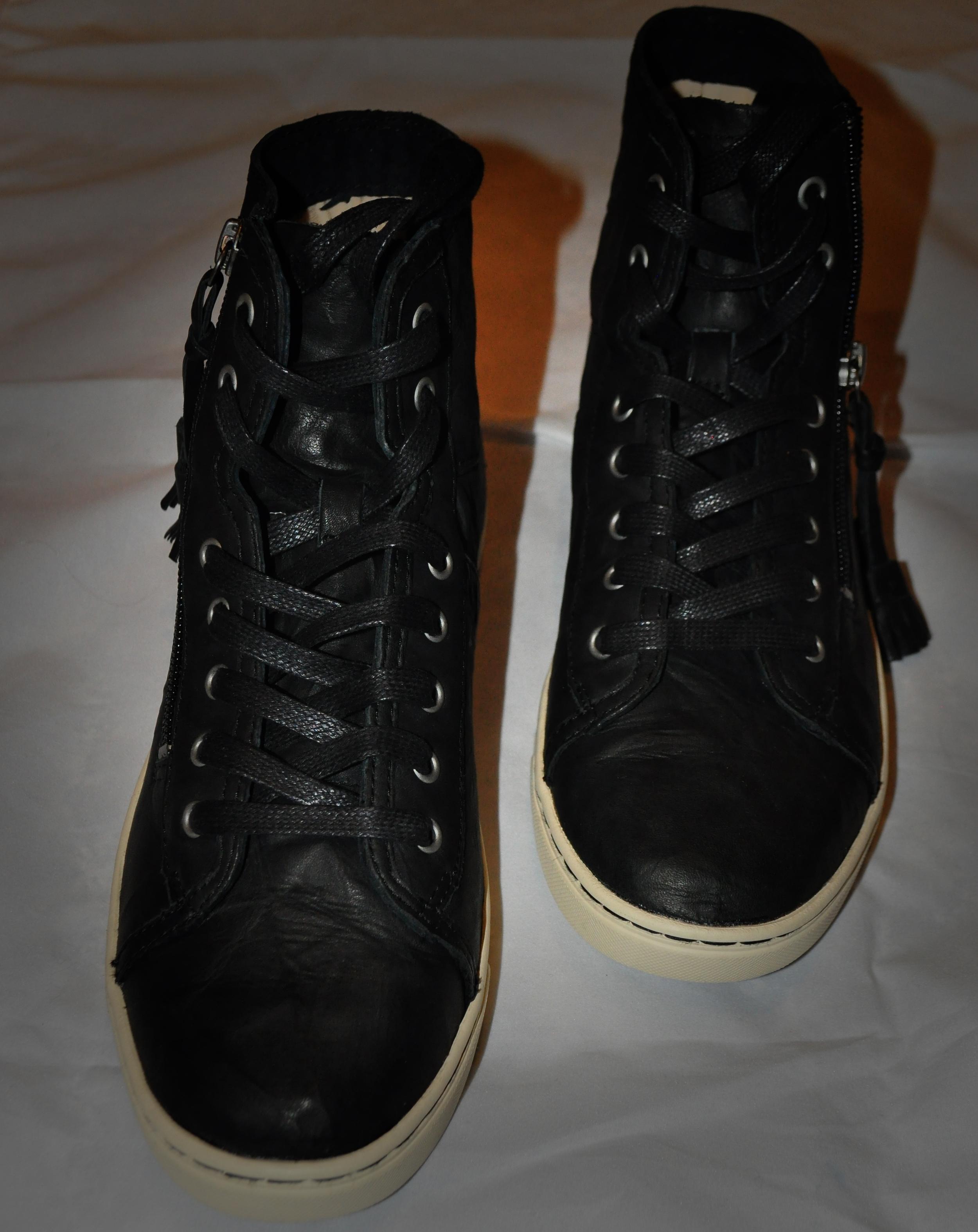 sneakers pic 1.jpg