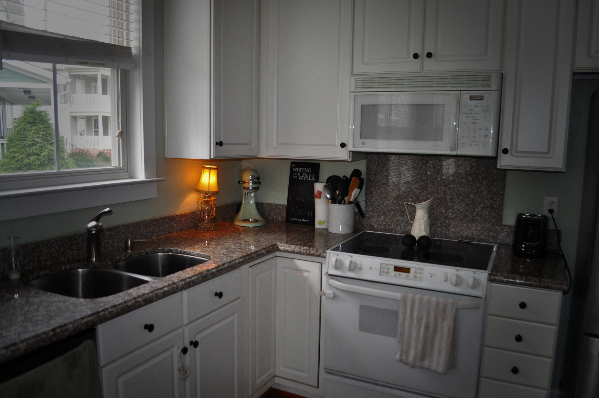 backsplash pic 1.jpg
