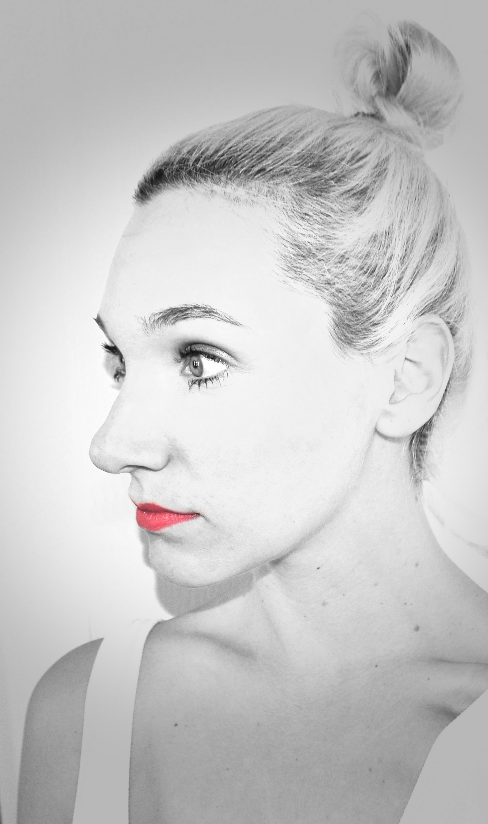 red lips FINAL PIC.jpg