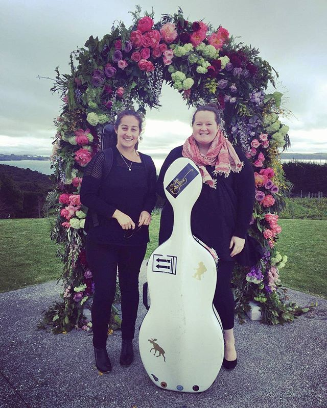 First gig of the season #waiheke #lovestorylodge #realentertainment #summeriscoming #sisterlove ❤🎻🤘