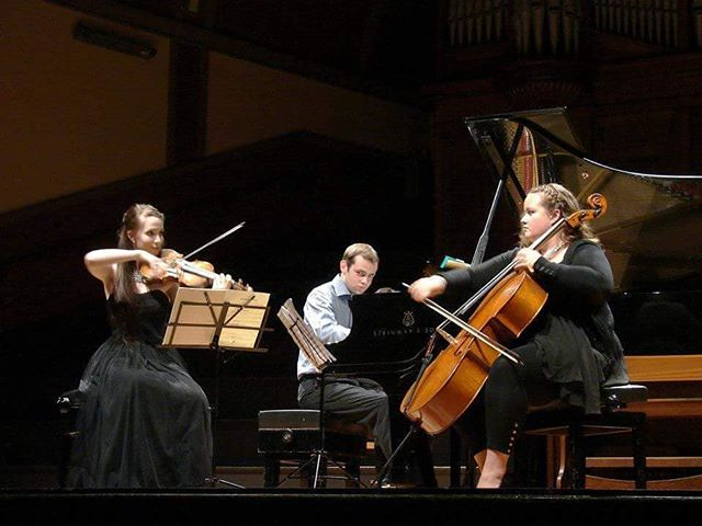 Throwback to 2015 Brahms Trio with good friends !! #brahms #chambermusic #adamsummerschool #nzsq #lovetriangle #memories