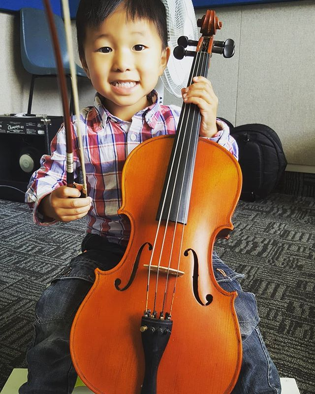 Latest recruit 👍 #cello #3yrsold #music #suzuki #nzmusic