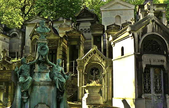 We decided to visit Pere Lachaise Cemetery