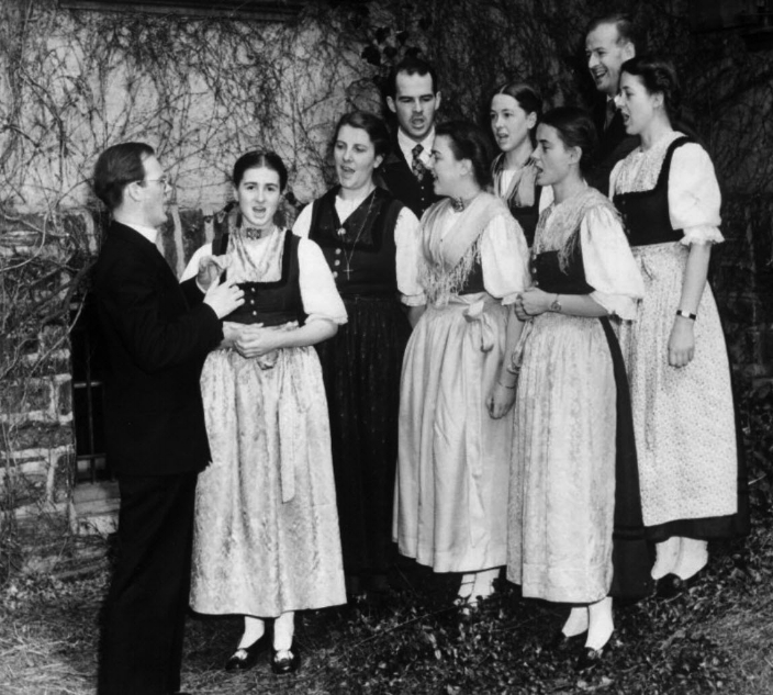 Palm Springs  Von Trapp Family.jpg