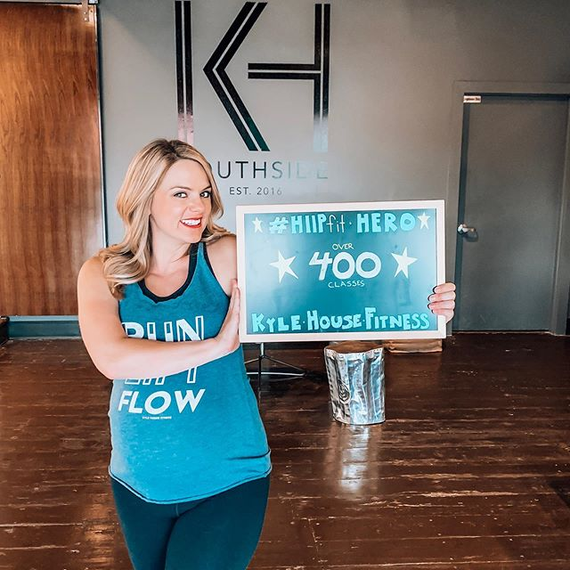 Guess what y'all!!? We have another hero in our midst. Help us congratulate Laurie on crushing over 400 HIIPfit classes! Yay Laurie! ⭐️ You can check out more of her journey (prenatal and stronger than ever) on our website. The full blog is on our website. Link is in the bio 😁💪🏼💚 #warrior #hero #epic #prenatalworkout #fitfam #chattanooga