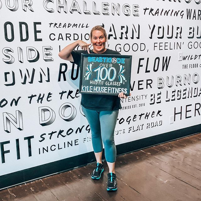 Let's give it up for the lovely Ashley! She is the latest to enter the KHF HIIPfit Hall of Fame! This takes serious dedication and a passion for a fitness lifestyle. Keep up the good work gorgeous! 💚💪🏼⭐️ #fitfam #workout #fitnessmotivation #beastmode #runliftflow
