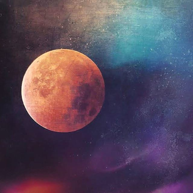 🍓🌝Go outside look up... Full moon is in Sagittarius, also known as the strawberry moon! #fullmoonparty