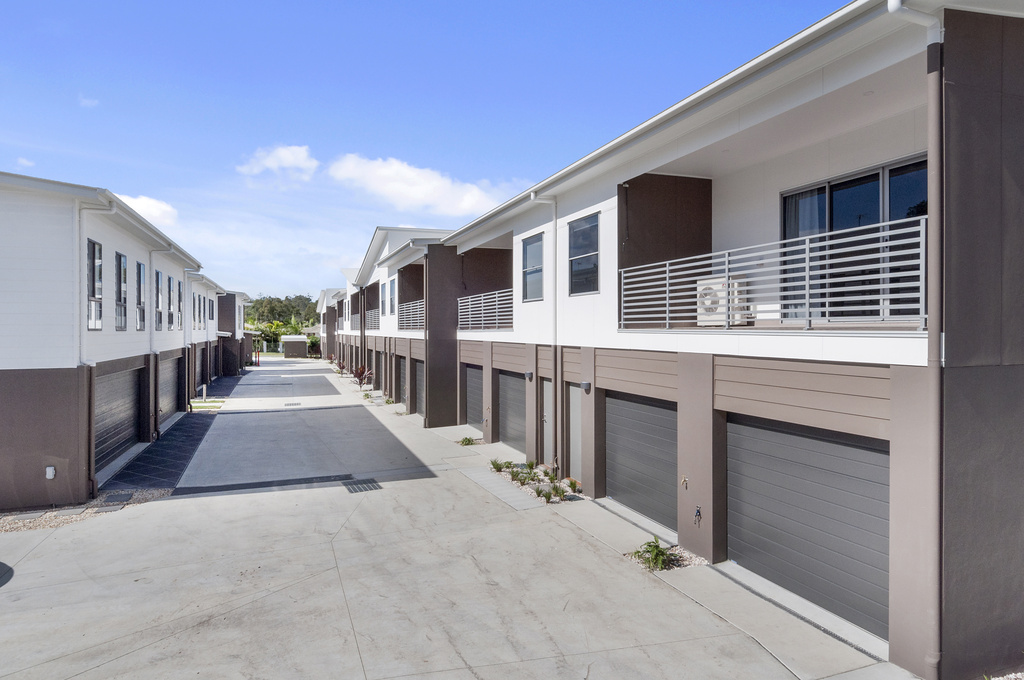 016_Open2view_ID410235-2_Carnavon_Court__Oxenford__Gold_Coast_.jpg