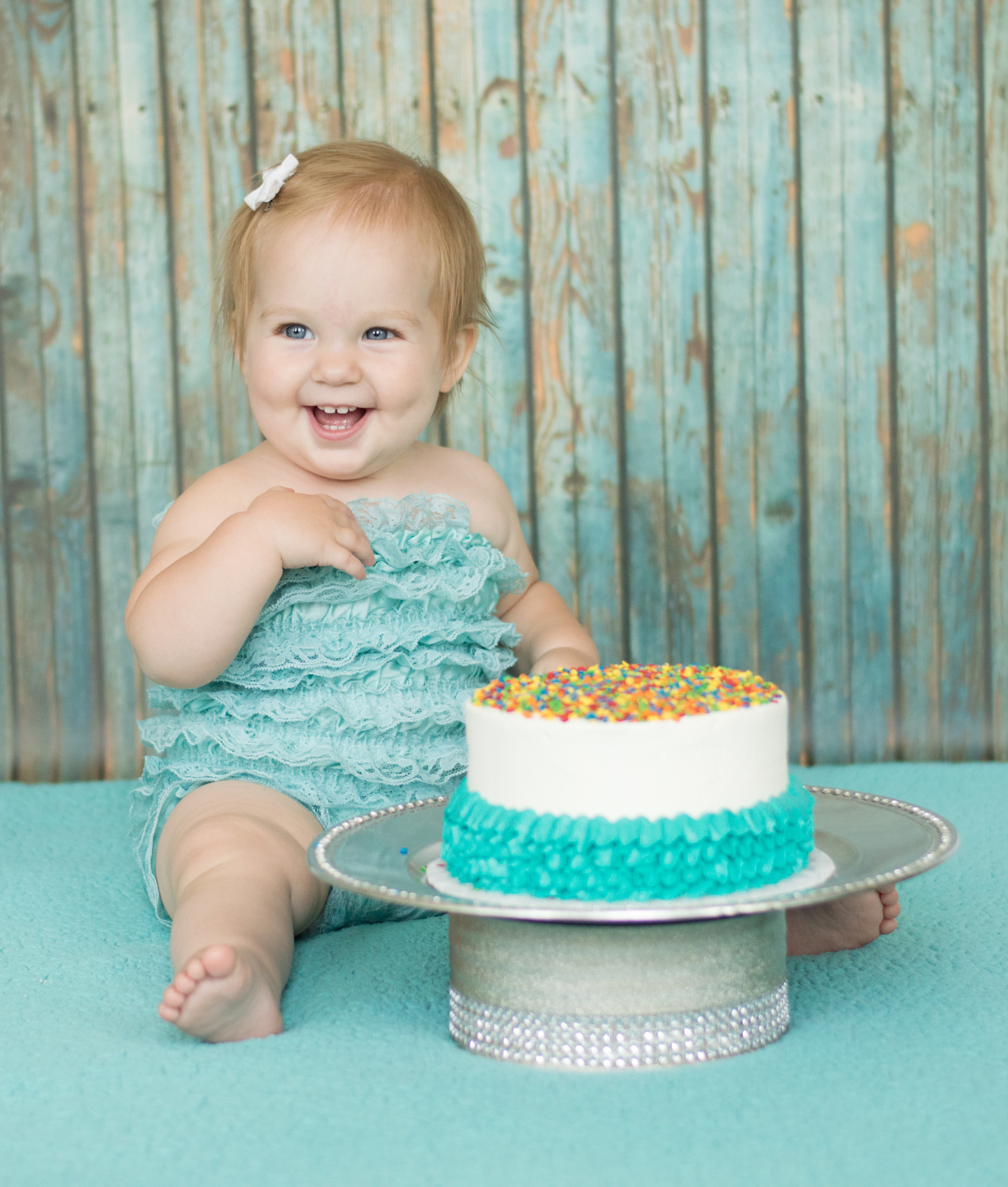 Skylan's 1st cake smash-34.jpg