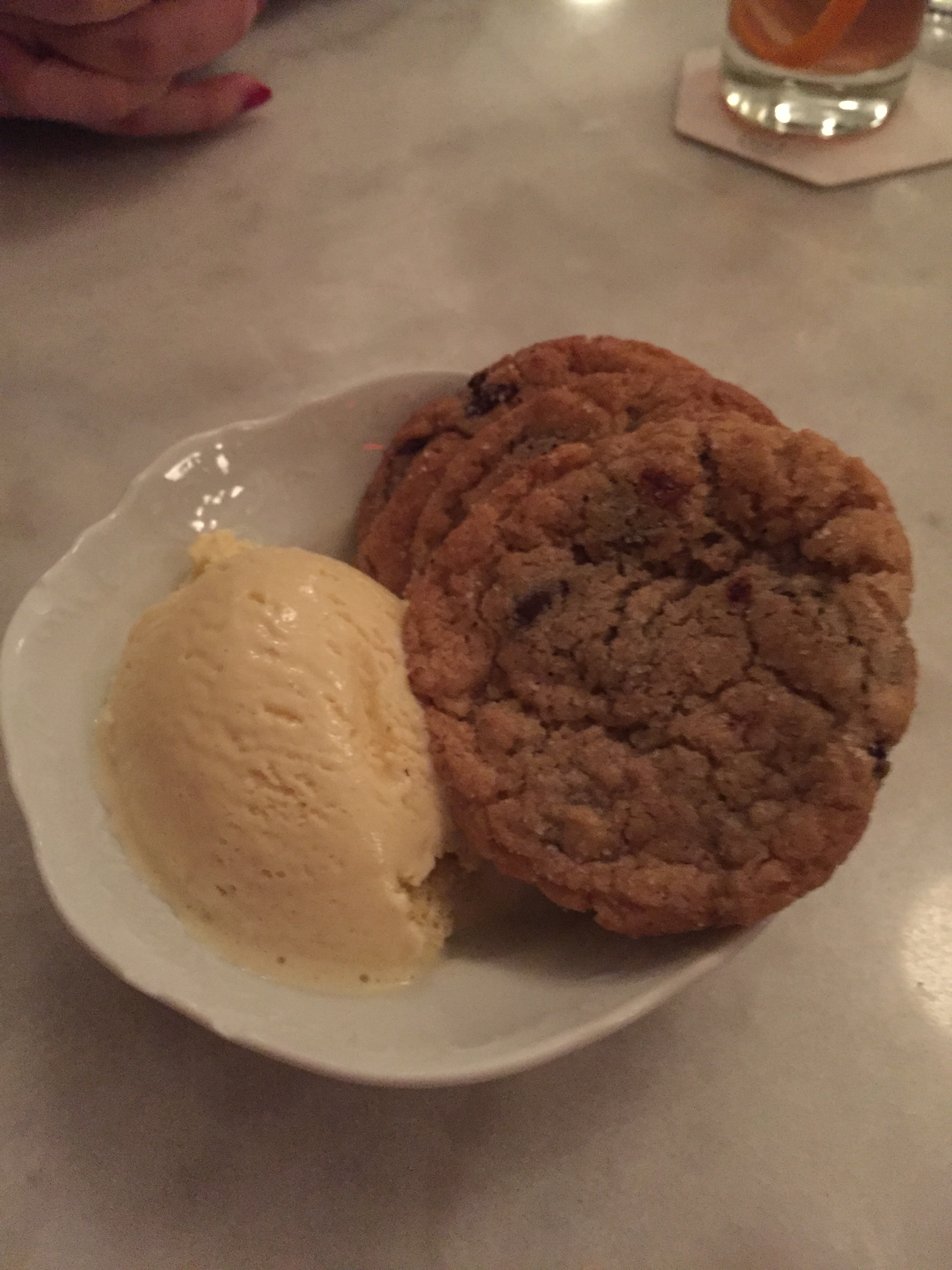 Salted chocolate chip cookies with cinnamon ice cream