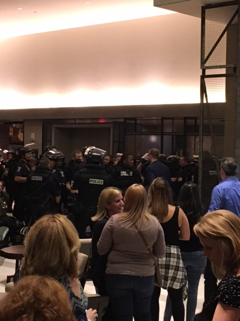 The atmosphere on the night we went during the riots and the SWAT team joined dinner.
