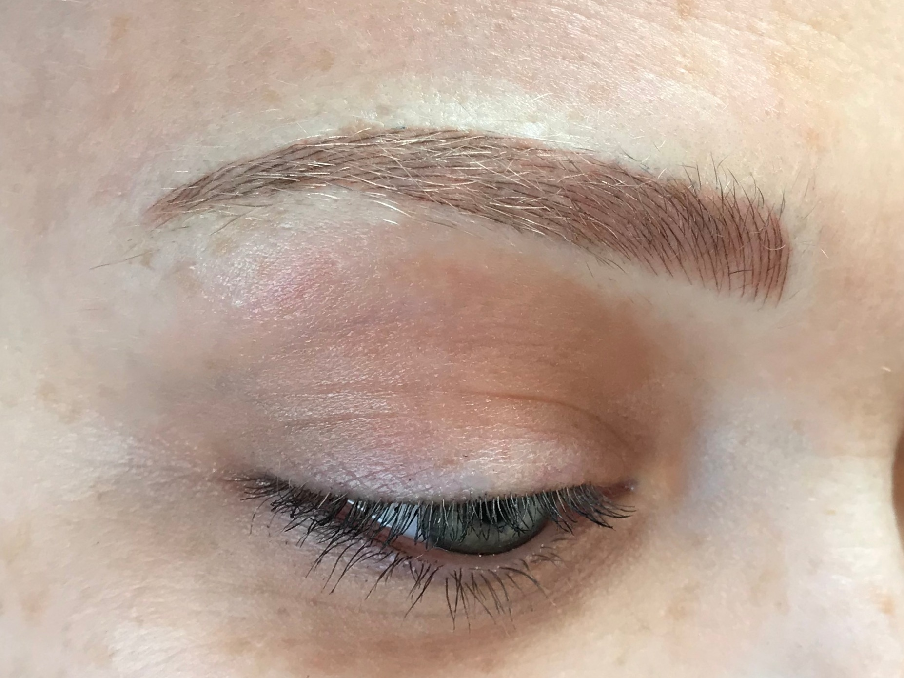 MICROBLADING | These brows are made to look like hairstrokes.