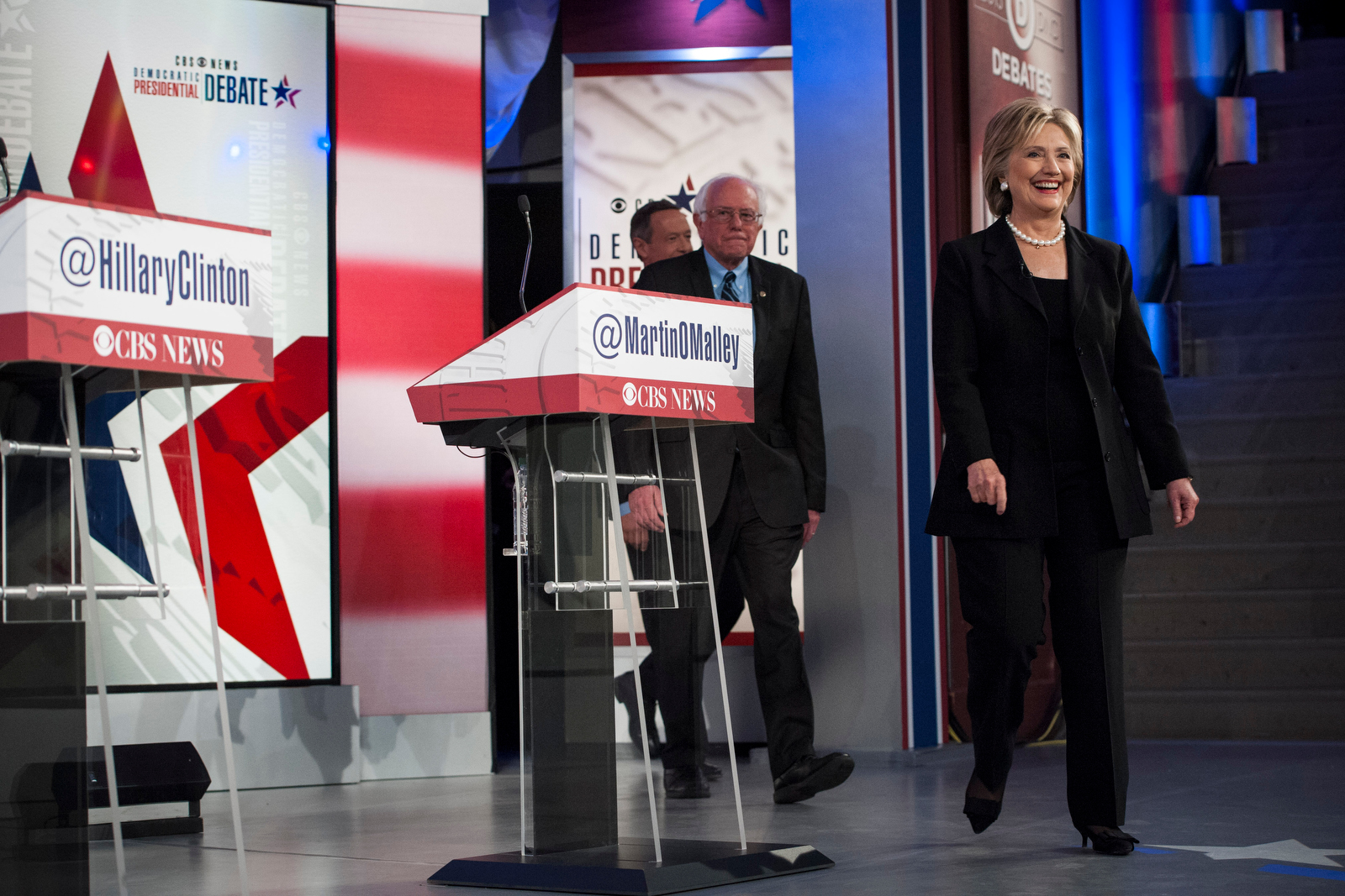 Democratic U.S. presidential candidates Hillary Clinton, Bernie Sanders, and Governor Martin O'Malley take the stage for the CBS Democratic Debate in Des Moines, Iowa November 14, 2015. REUTERS/Mark Kauzlarich