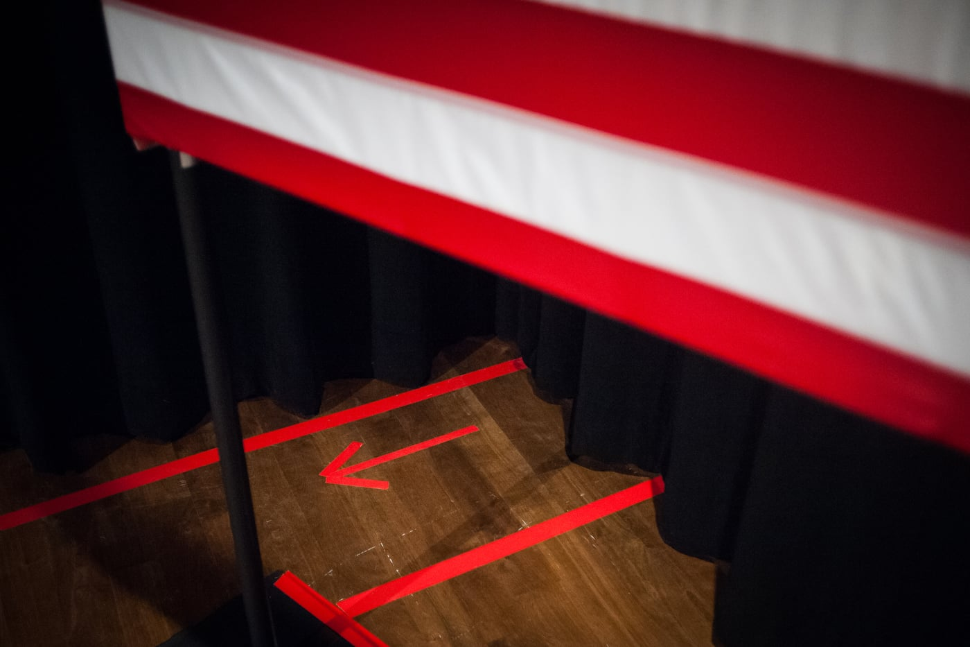 Arrows point from backstage toward the location where U.S. Republican presidential candidate Ted Cruz spoke at a town hall at Winterset Stage in Winterset, Iowa January 4, 2016.