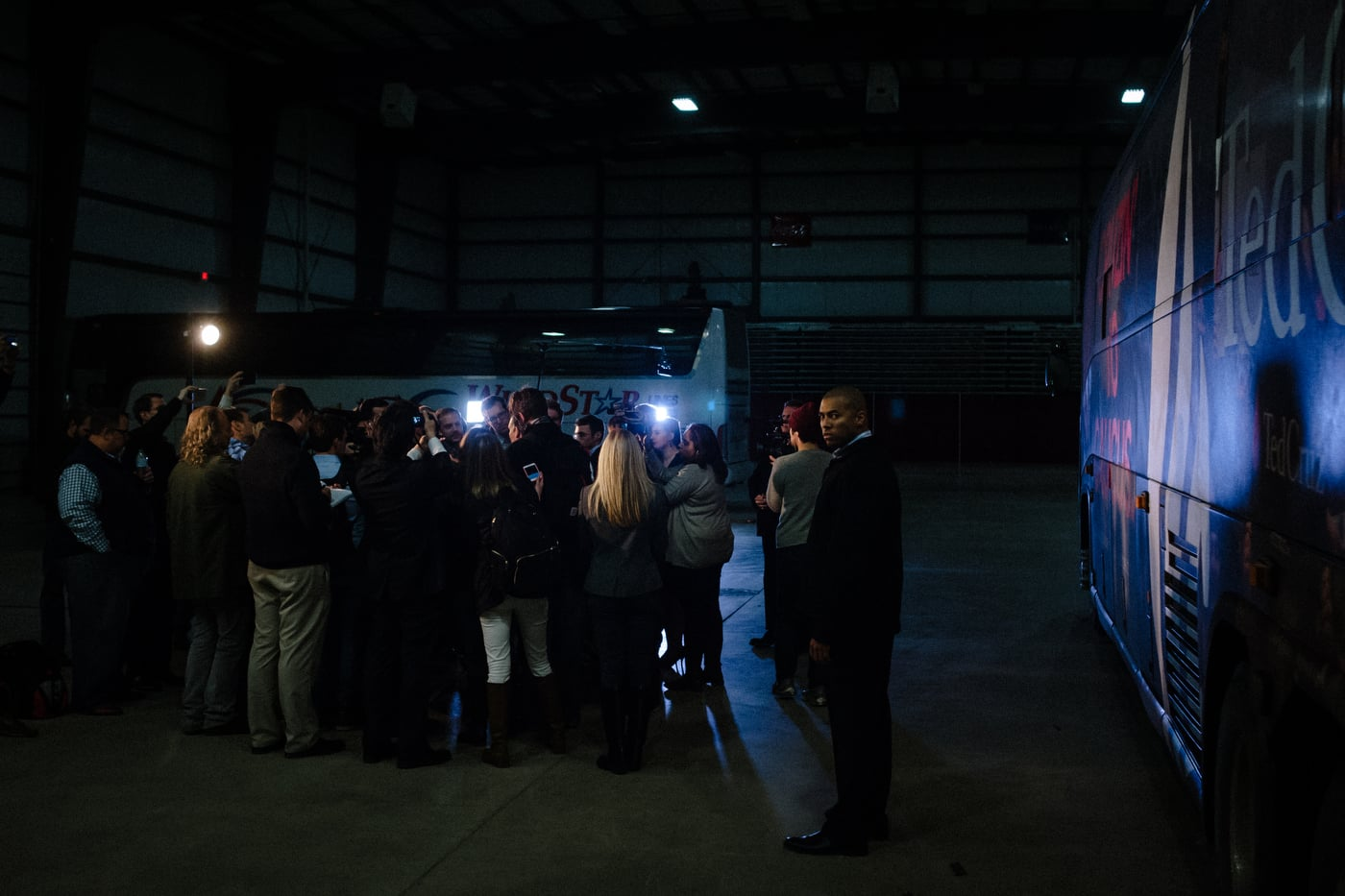 U.S. Republican presidential candidate Ted Cruz' holds a media availability at the Clay County Regional Event Center in Spencer, Iowa January 6, 2016.