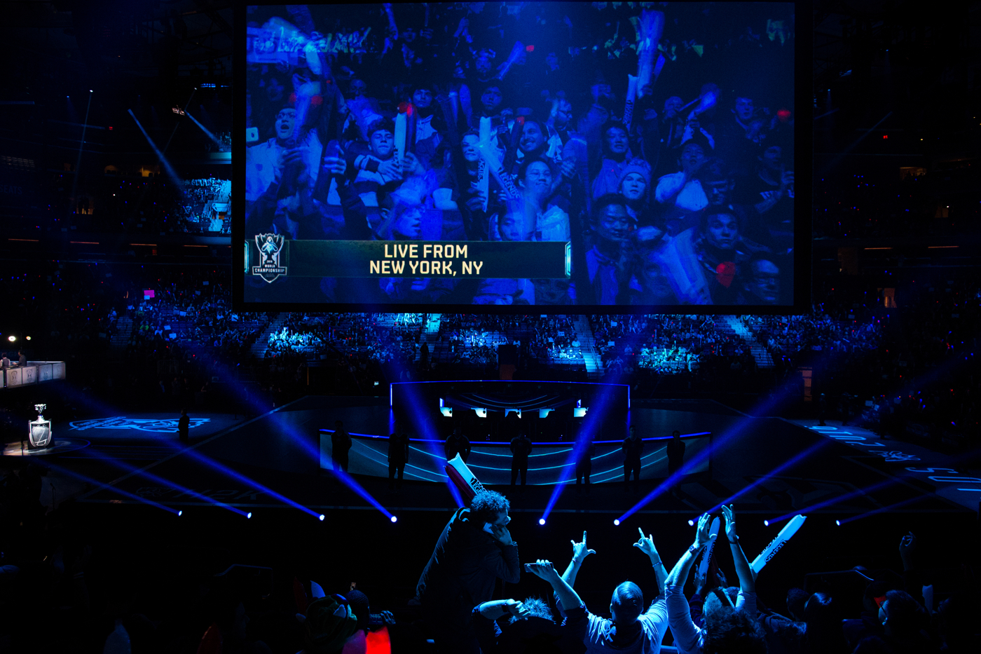 Fans cheer as H2k-Gaming is introduced before their semifinal matchup against Samsung Galaxy.