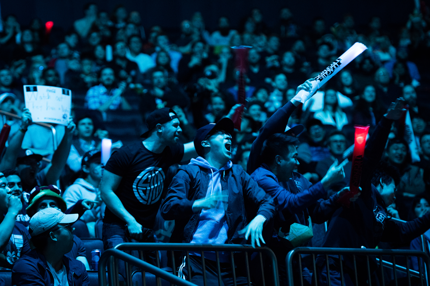 Fans of H2k-Gaming cheer for the team after they take a surprise first kill off of their opponents Samsung Galaxy in the first game of their best of five match.