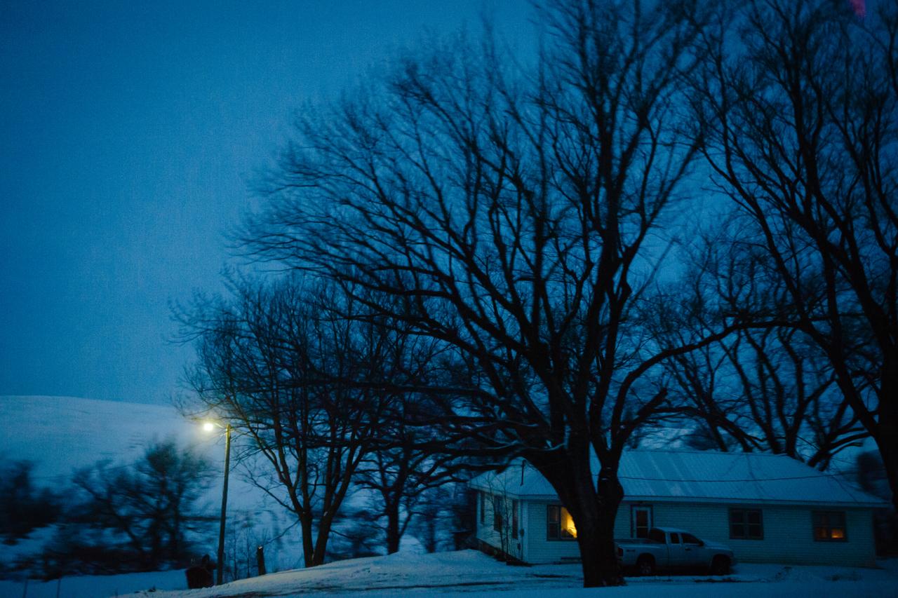 A rural homestead along Highway 59 between Buck Grove and Denison, Iowa on January 21, 2016. Mark Kauzlarich for Die Zeit
