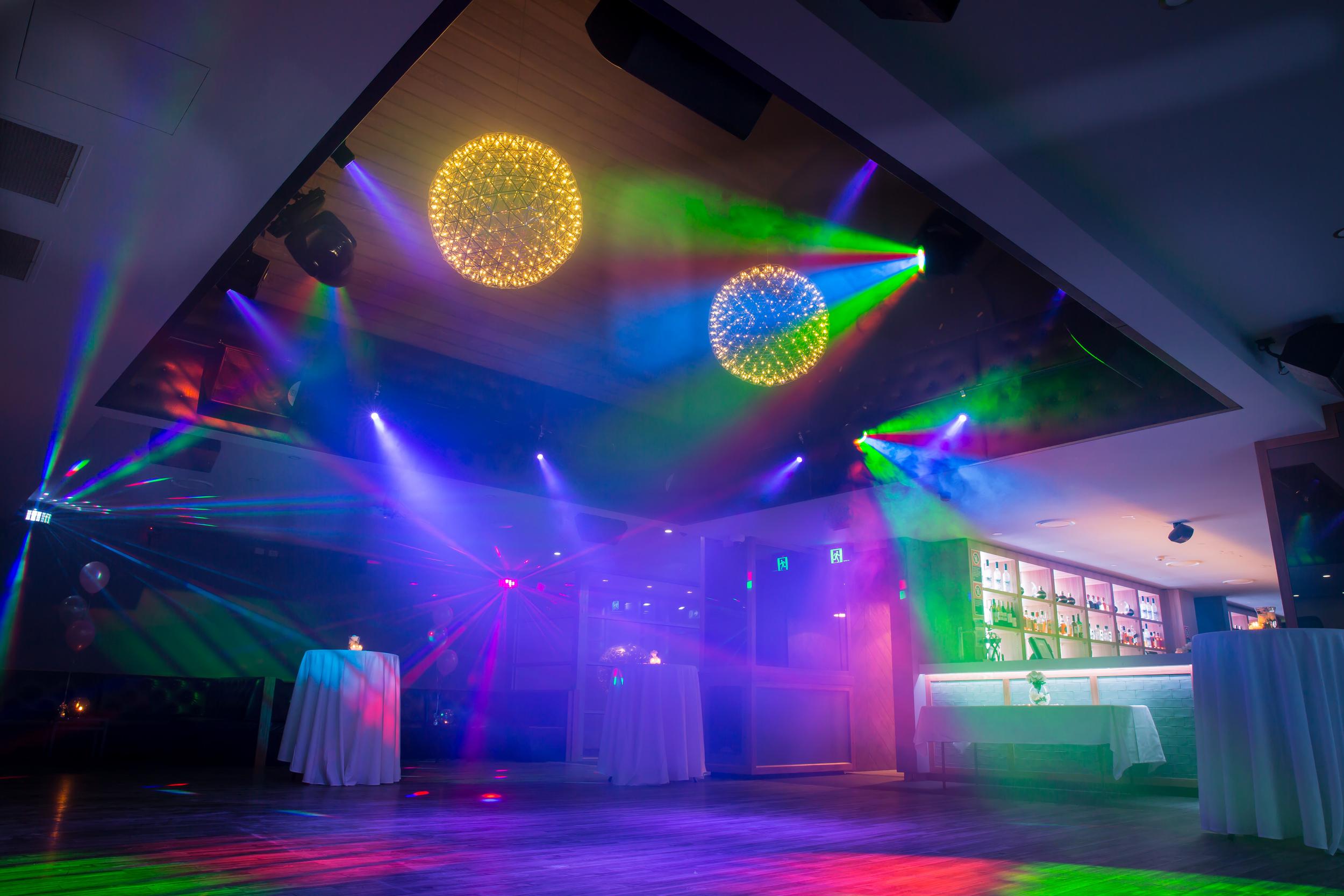 the-hillside-hotel-castle-hill-nightclub-photos