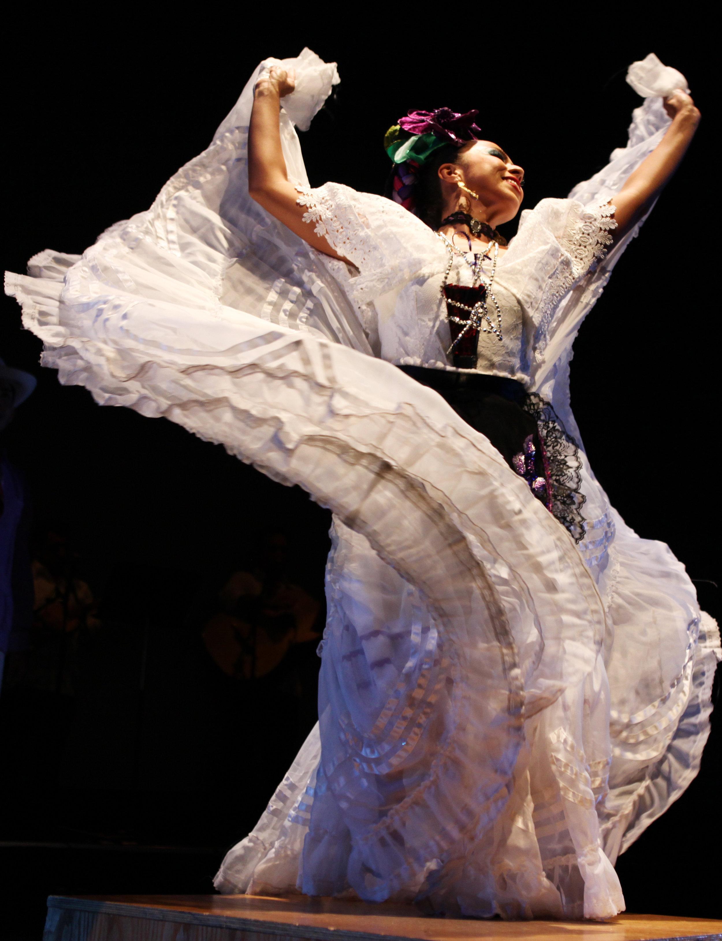 CALPULLI MEXICAN DANCE COMPANY.jpg