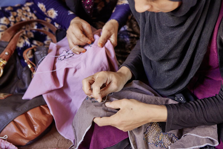 Inequalities_Afghanistan_Herat_community-change-women-tayloring-barbery_20160719_Afghanistan_WVI_1325.jpg