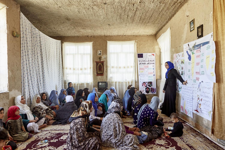 Inequalities_Afghanistan_Herat-community-change-WVI_20160719_Afghanistan_WVI_female_0820.jpg